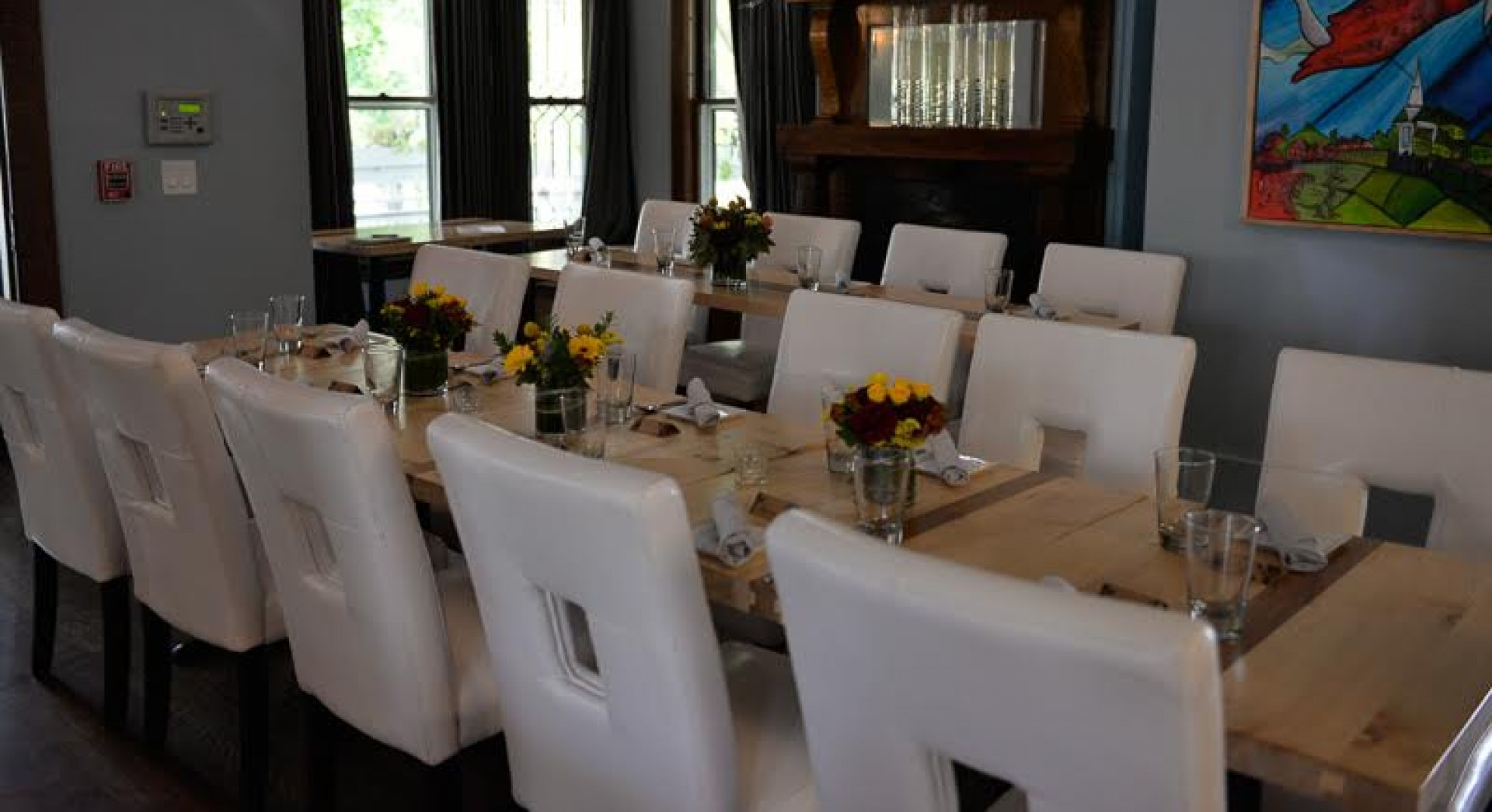 cropped-wedding-tables-inside.jpg
